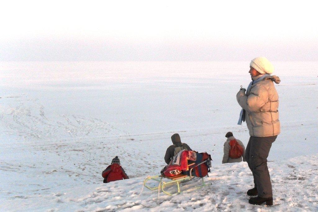На зимних берегах, у моря Азовского, в походе... 001. 003. 008