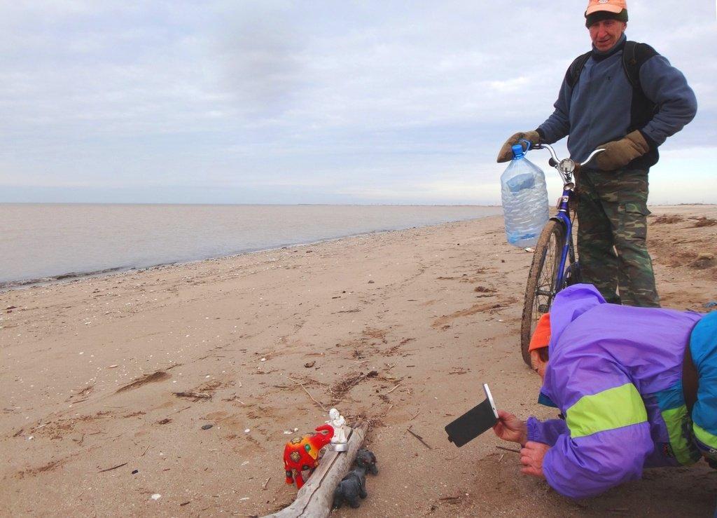 У моря Азовского, в походе, декабрь, ... и слоники... 002. 010