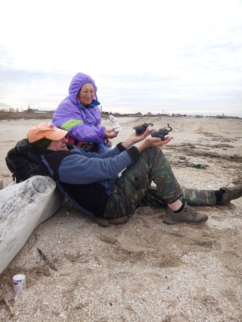 У моря Азовского, в походе, декабрь, ... и слоники... 002. 005