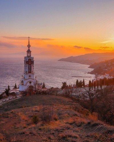 Храм-маяк в Малореченском. КРЫМ.