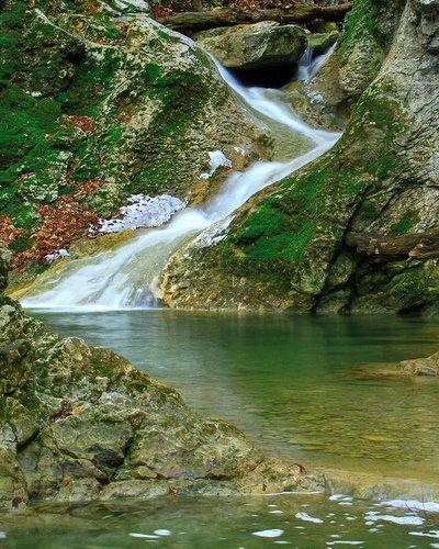 Весенний водопад Кок-Асан