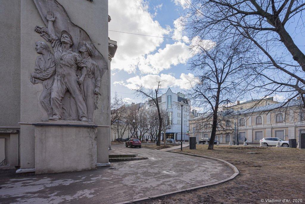 Сквер Строителей Москвы