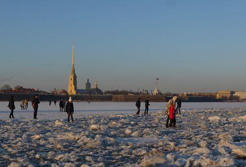 Прогулка по весеннему льду