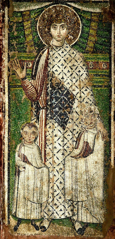 Святой Великомученик Георгий Победоносец, покровительствующий детям одного из ктиторов храма. Мозаика Базилики Святого Димитрия в Салониках, Греция. VII век.