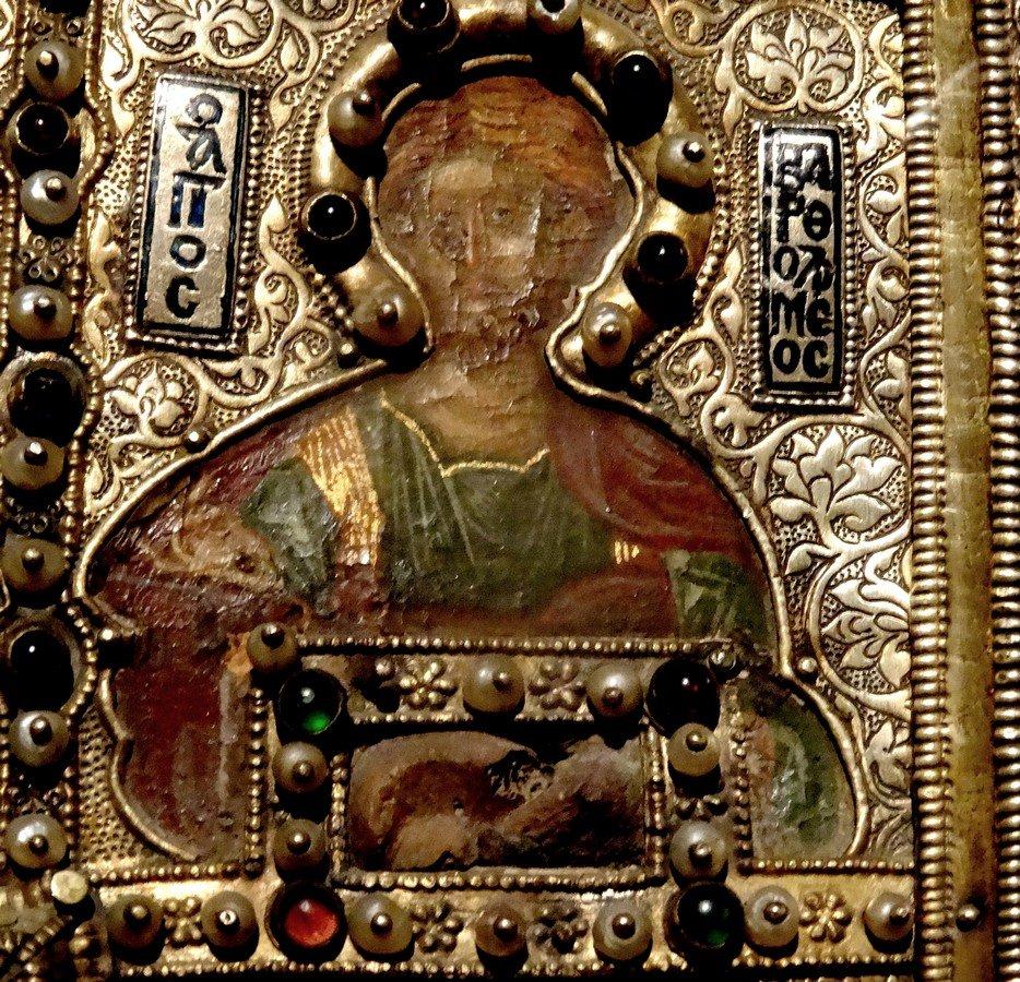 Святой Апостол Варфоломей. Фрагмент византийской иконы-реликвария XIV века.