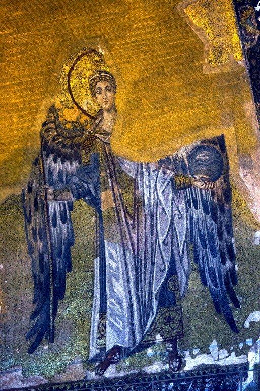 Архангел Гавриил. Мозаика Собора Святой Софии в Константинополе. 867 год.