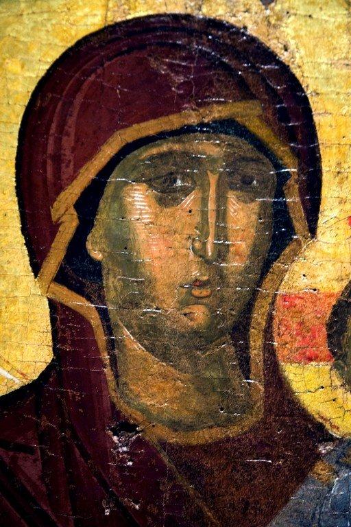 Богоматерь Одигитрия. Икона. Византия, третья четверть XIV века. Византийский музей в Салониках, Греция. Фрагмент.