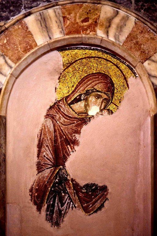 Святая Праведная Анна, матерь Пресвятой Богородицы, с Младенцем Марией. Мозаика монастыря Хора в Константинополе. 1315 - 1321 годы.