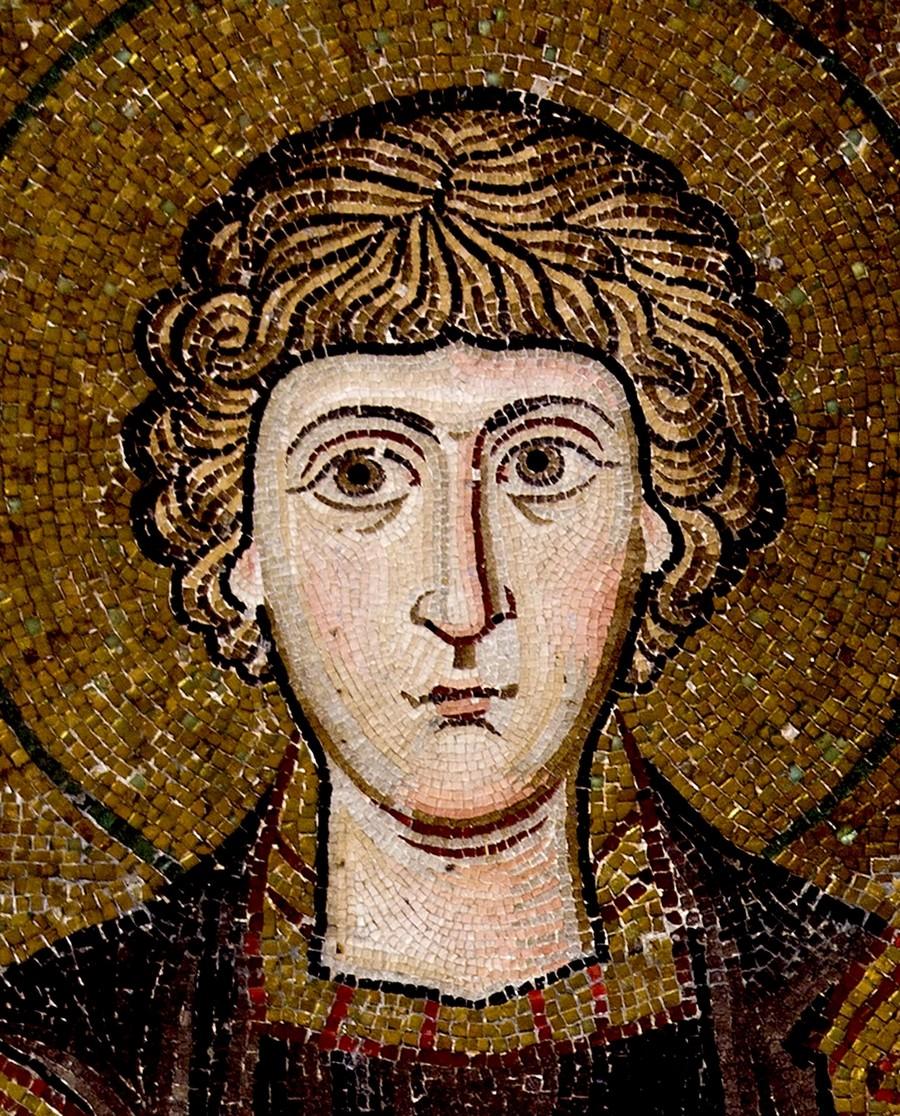 Святой Великомученик и Целитель Пантелеимон. Мозаика монастыря Осиос Лукас, Греция. 1030 - 1040-е годы.