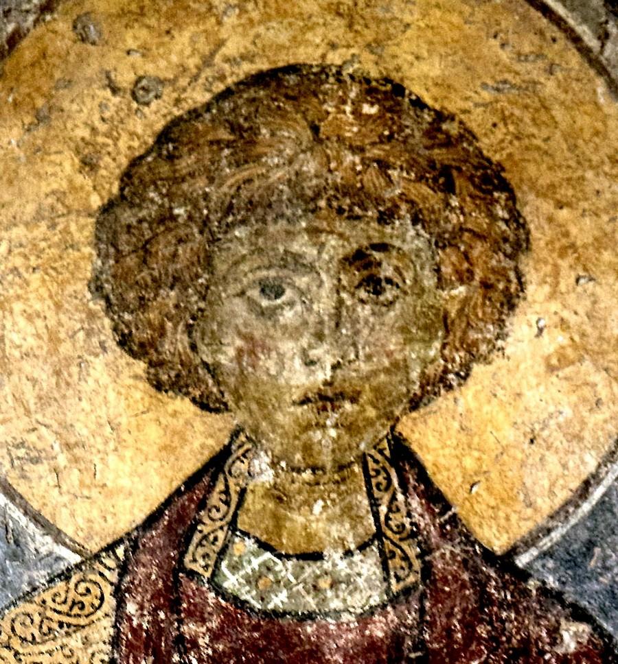 Святой Великомученик и Целитель Пантелеимон. Византийская фреска. Византийский музей в Афинах.