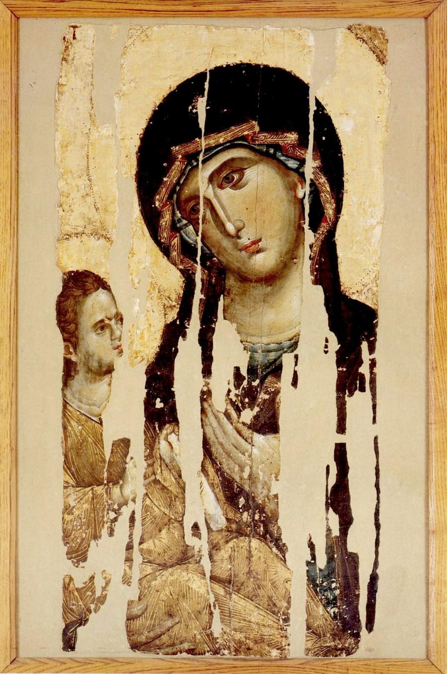 """Хиландарская икона Божией Матери """"Одигитрия"""". Византия, 1260 - 1270-е годы. Сербский монастырь Хиландар на Афоне."""