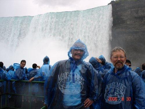В брызгах Ниагарского водопада...