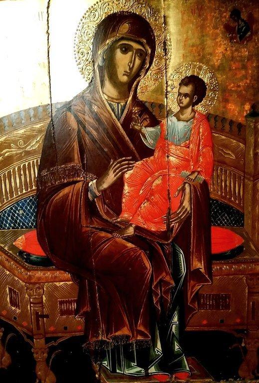 Пресвятая Богородица с Младенцем на троне. Греческая икона. Византийский музей в Верии, Греция.