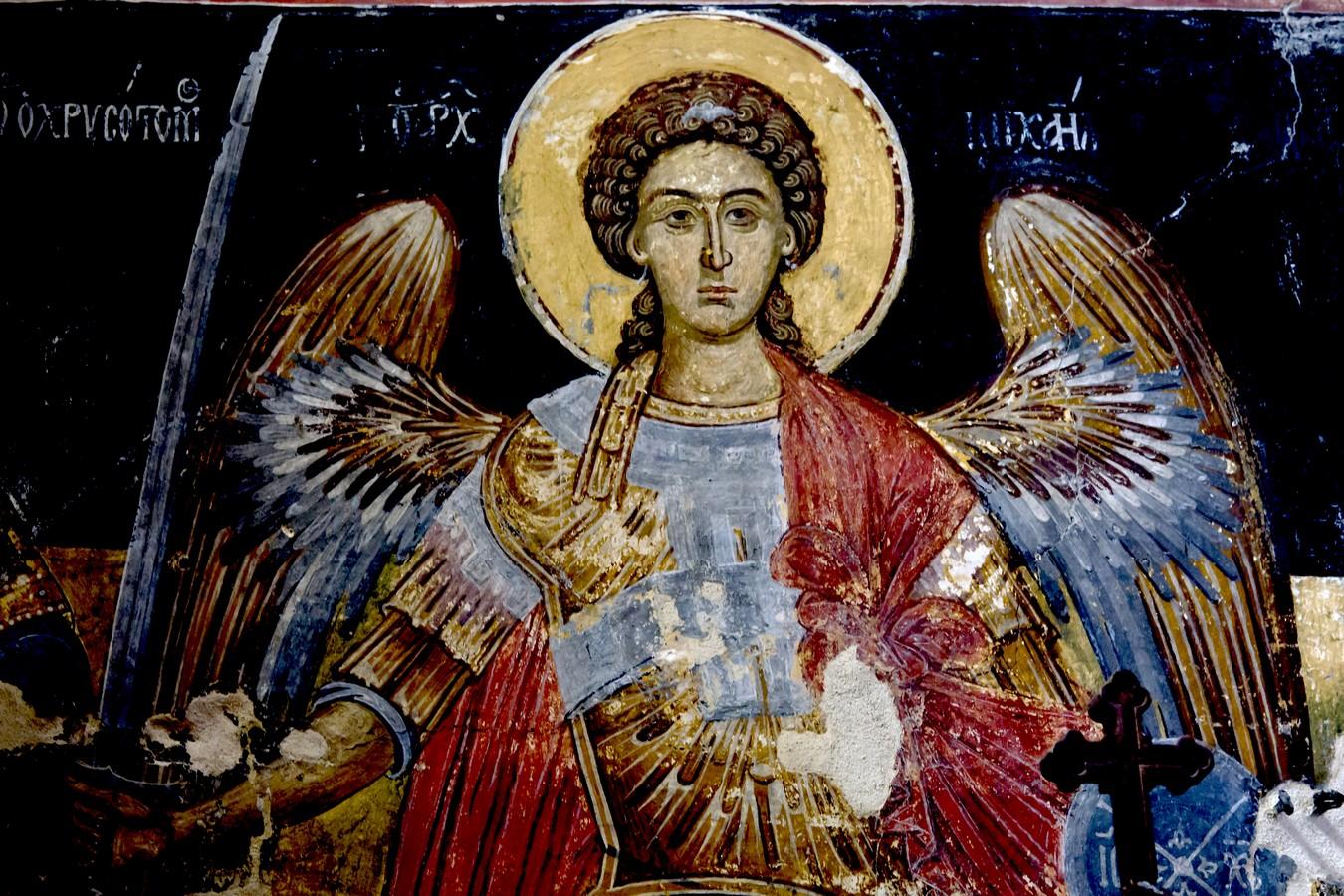 Архистратиг Михаил. Фреска монастыря Святого Иоанна Предтечи близ Серр, Греция.