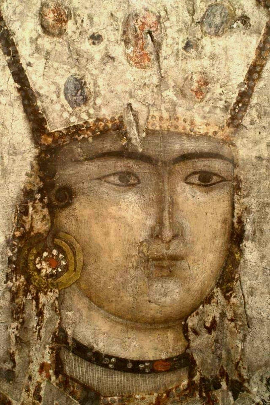 Святая Благоверная Тамара Великая, царица Грузии. Ктиторский портрет в пещерном монастыре Вардзиа (Вардзия), Грузия. До 1185 года.