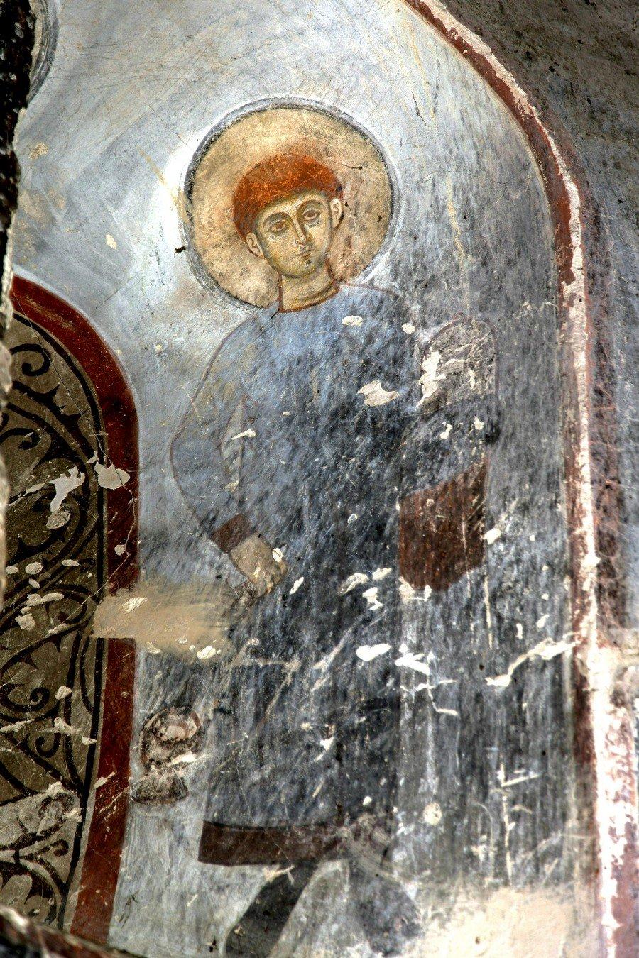Святой диакон. Фреска храма Архангела Михаила в монастыре Икорта, Южная Осетия. Конец XII - начало XIII века.