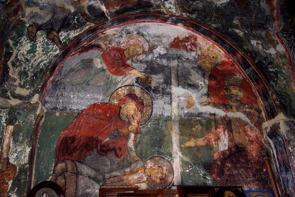 Святая Мученица Иулитта оплакивает своего сына, Святого Мученика Кирика. Фреска церкви Святых Кирика и Иулитты (Лагурка) в Хе, Сванетия, Грузия. Начало XII века. Иконописец Тевдоре.