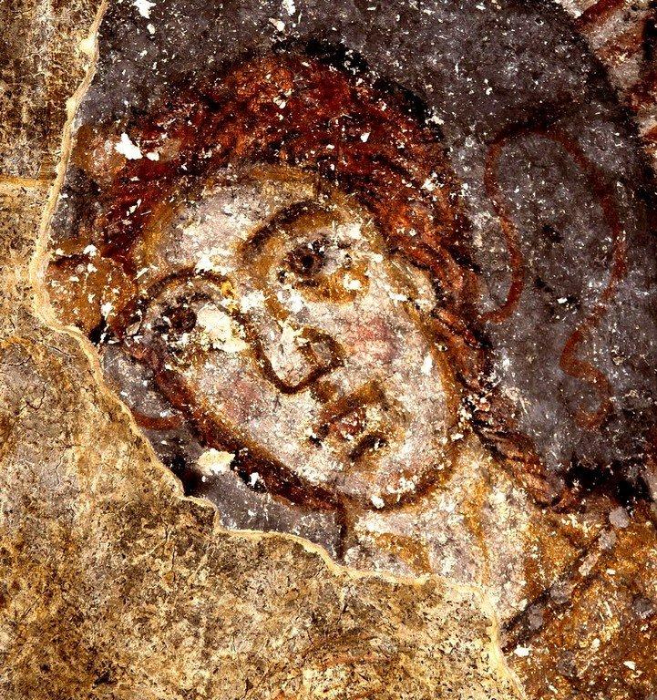 Ангел Господень. Фреска церкви Святой Варвары (нижнего храма церкви Преображения Господня) в Лагами, Сванетия, Грузия. X век.