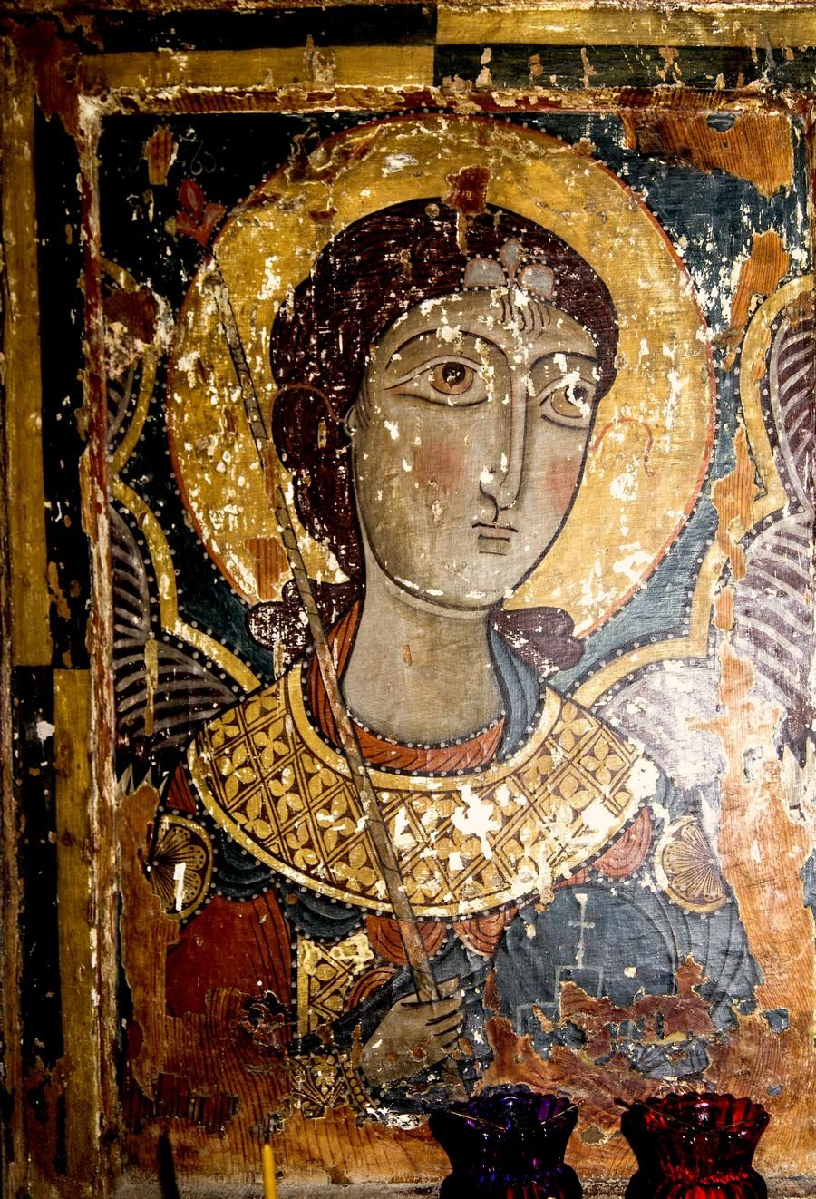Архангел Михаил. Икона. Сванетия, XII - XIII век.