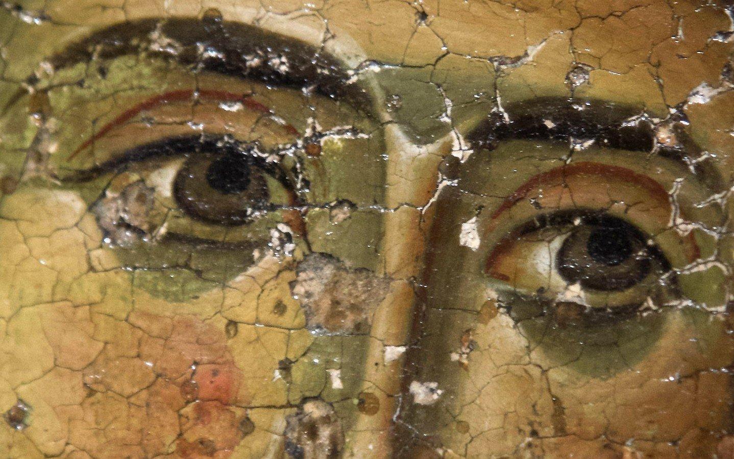 Архангел. Грузинская икона XII - XIII века. Фрагмент.