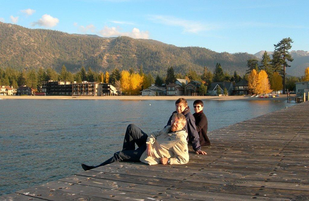 Уютная осень на озере Тахо