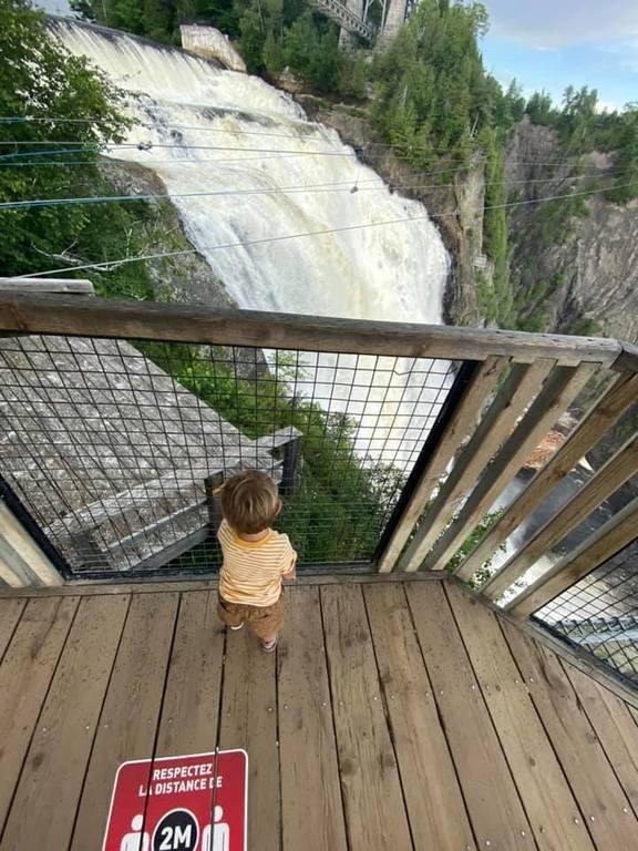 У водопада Монморанси в Квебеке