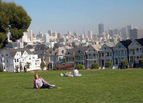 Сан-Франциско. На травке над огромным городом...
