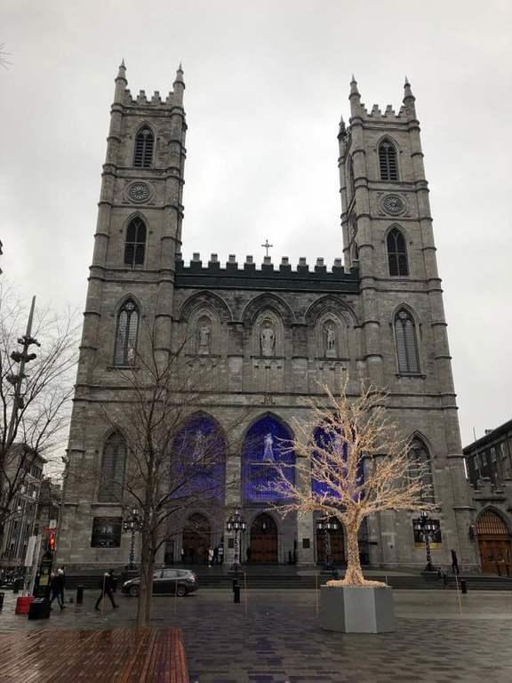 Кафедральный собор Нотр-Дам де Монреаль.