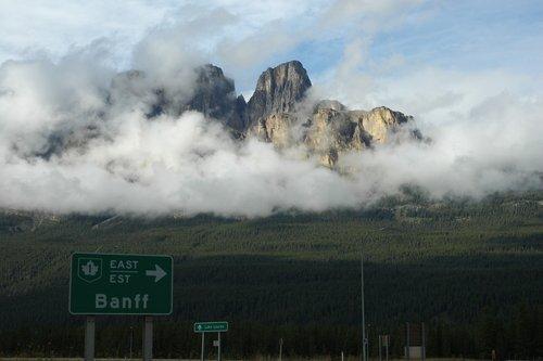 Национальный парк Банф в Скалистых горах Канады