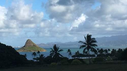 Островок Китайская Шляпа рядом с островом Оаху