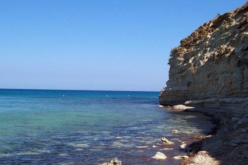 Кипр. Пляж для спартанцев.