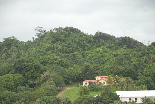 Гондурас. В джунглях тоже можно жить...