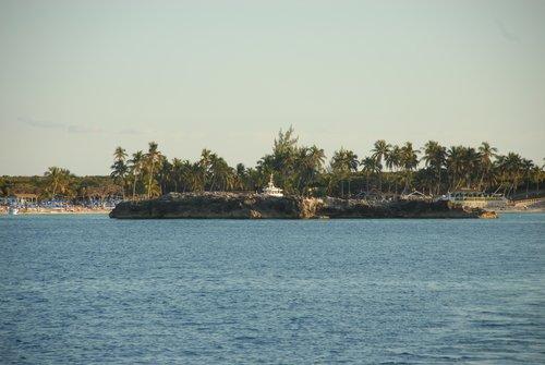 Небольшой Багамский остров