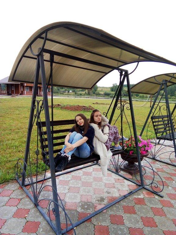 С дочками в Карповке (Пермский край).