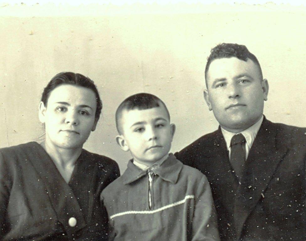 Из жизни в Сибири... Около середины 60-х ... (1) Воспоминание о маме, в её день рождения, 2-го марта...