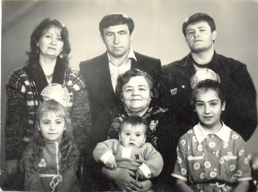 Воспоминание о маме, в её день рождения, 2-го марта (17)... 8.05.1990 года... .