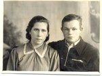 Воспоминание о маме, в её день рождения, 2-го марта... Брат мамы, Витя, с женой Галой...