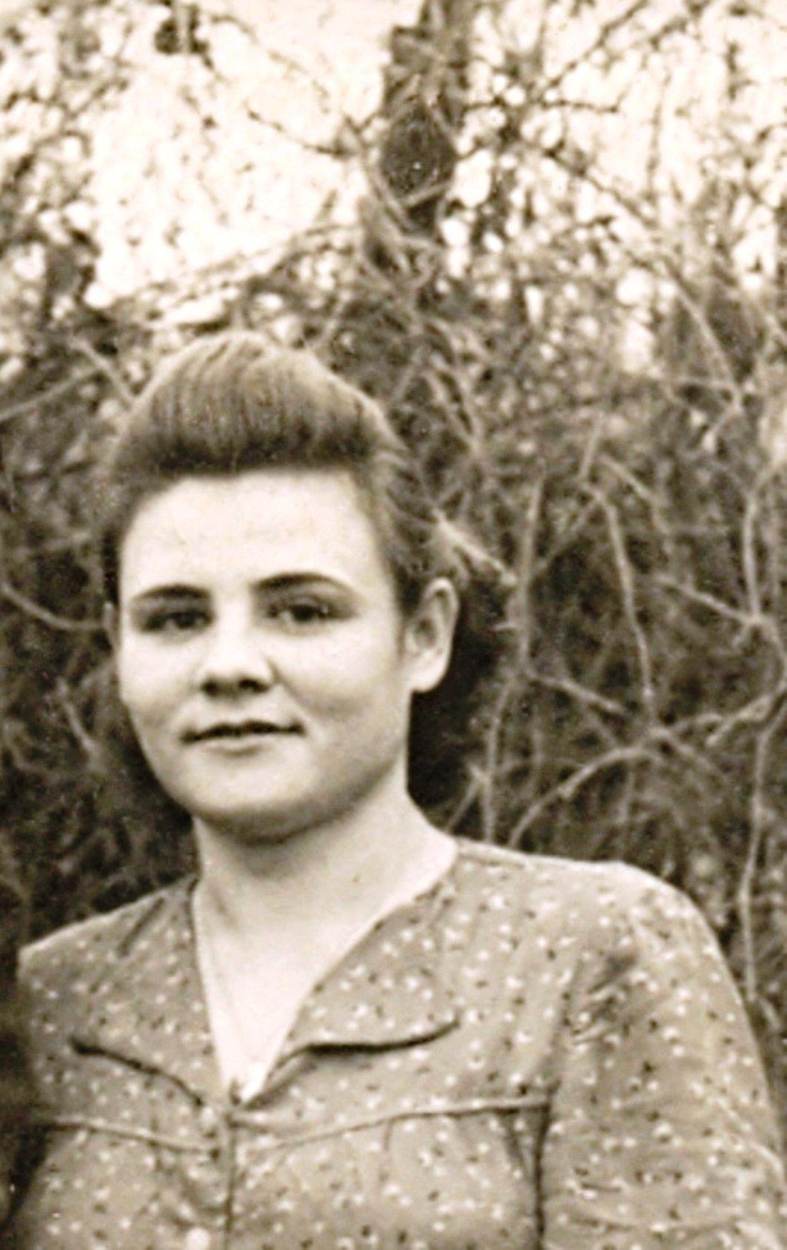 002. Воспоминание о маме, в её день рождения, 2-го марта... (9) - 01.