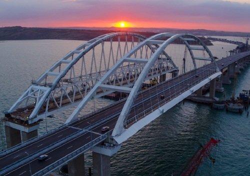 Крымский мост вечером