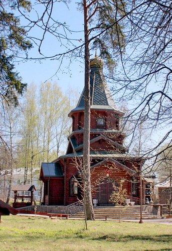 Церковь Сергия Радонежского в поселке детского дома Молодая Гвардия