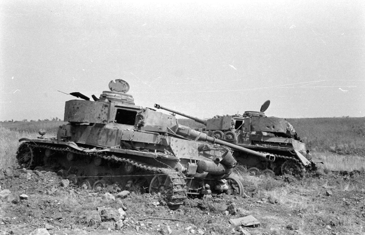 картинки подбитый танк нашли