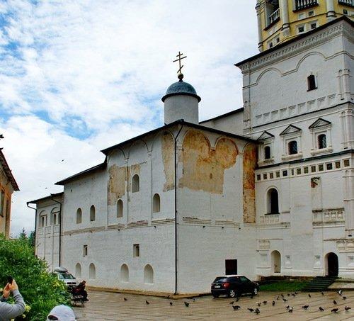 Церковь Рождества Христова в Пафнутьевом-Боровском монастыре