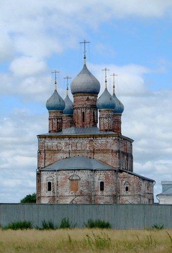 Церковь Преображения Господня в Спасо-Яковлевском Димитриевском монастыре