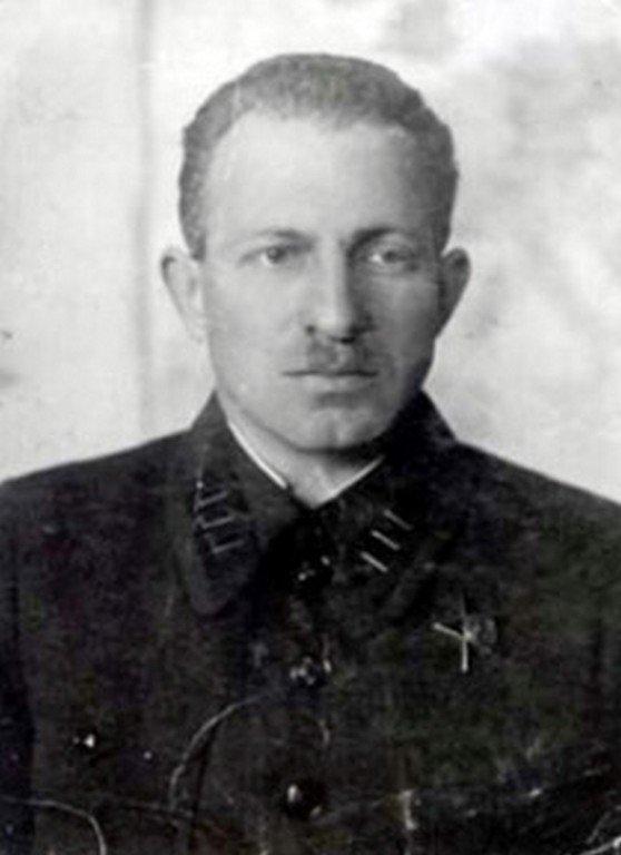 Главный хирург Приморской армии В. С. Кофман.