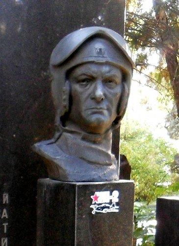 Амет-Хан Султан.