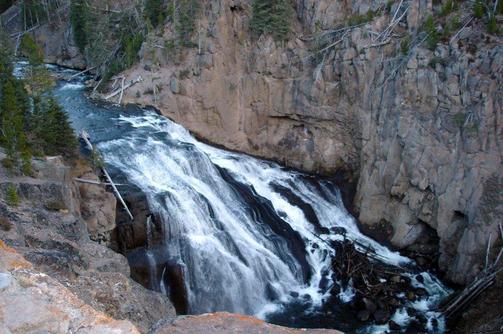 Водопад Гиббон в Йеллоустоуне