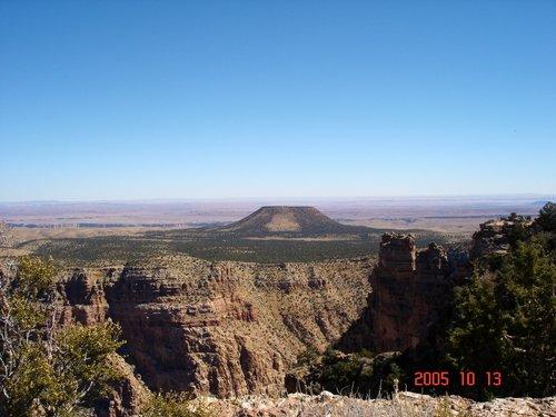 Гранд-каньон. И небольшой вулканчик.