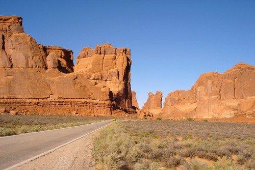 По пустынным дорогам Юты и Аризоны