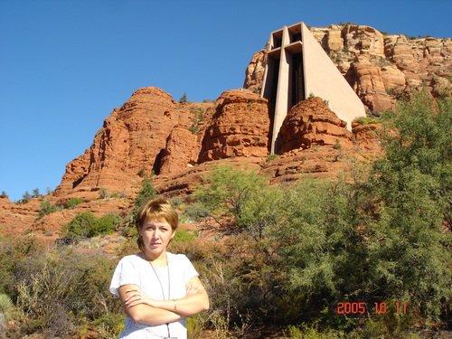 Церковь среди красных скал Аризоны