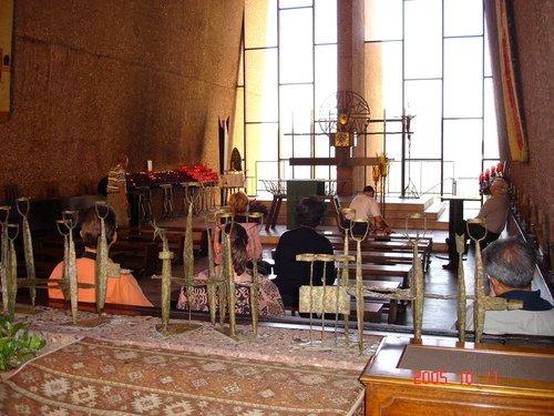 Церковь в горах Аризоны. На земле индейцев.